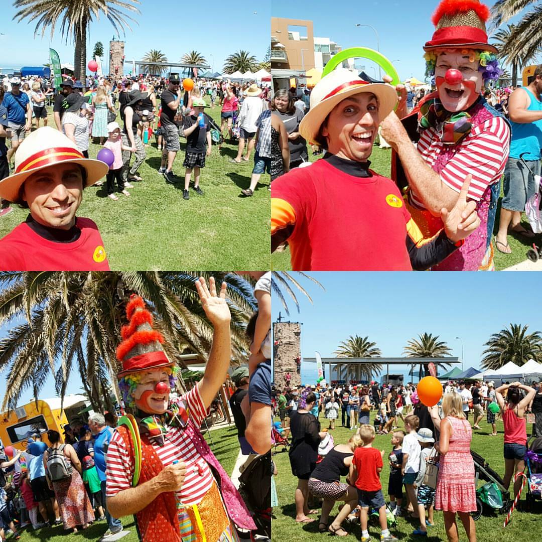 adelaide-bubble-man-childrens-entertainment-clown-christmas-pageant-christies-beach-south