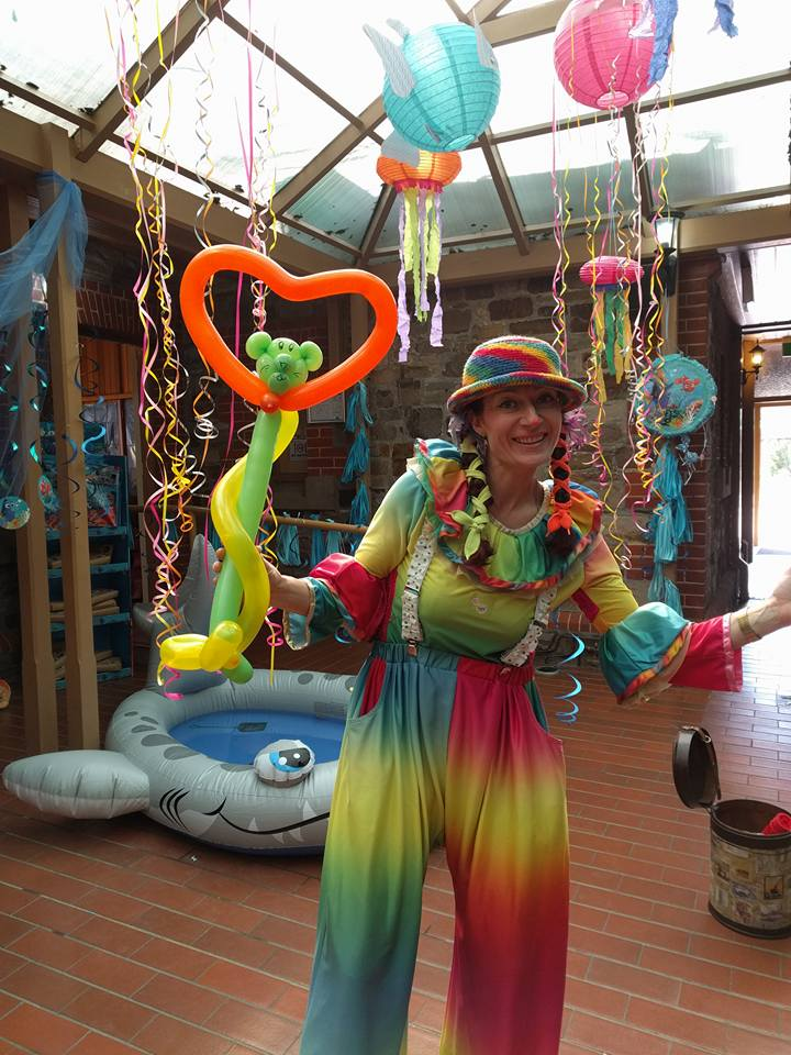 Bubbly Jess Camp Quality Bubble Show and Balloonist Adelaide