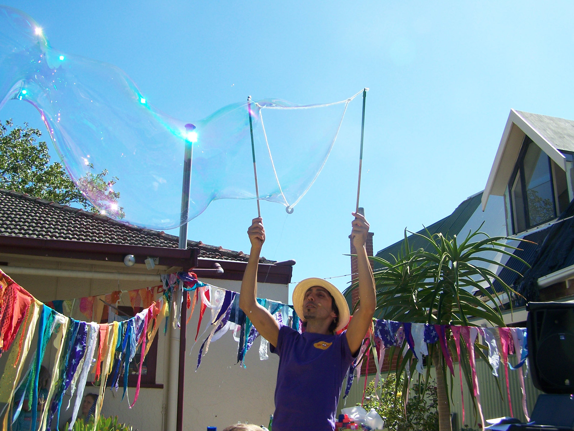 Mr Oopy Does Bubbles Adelaide