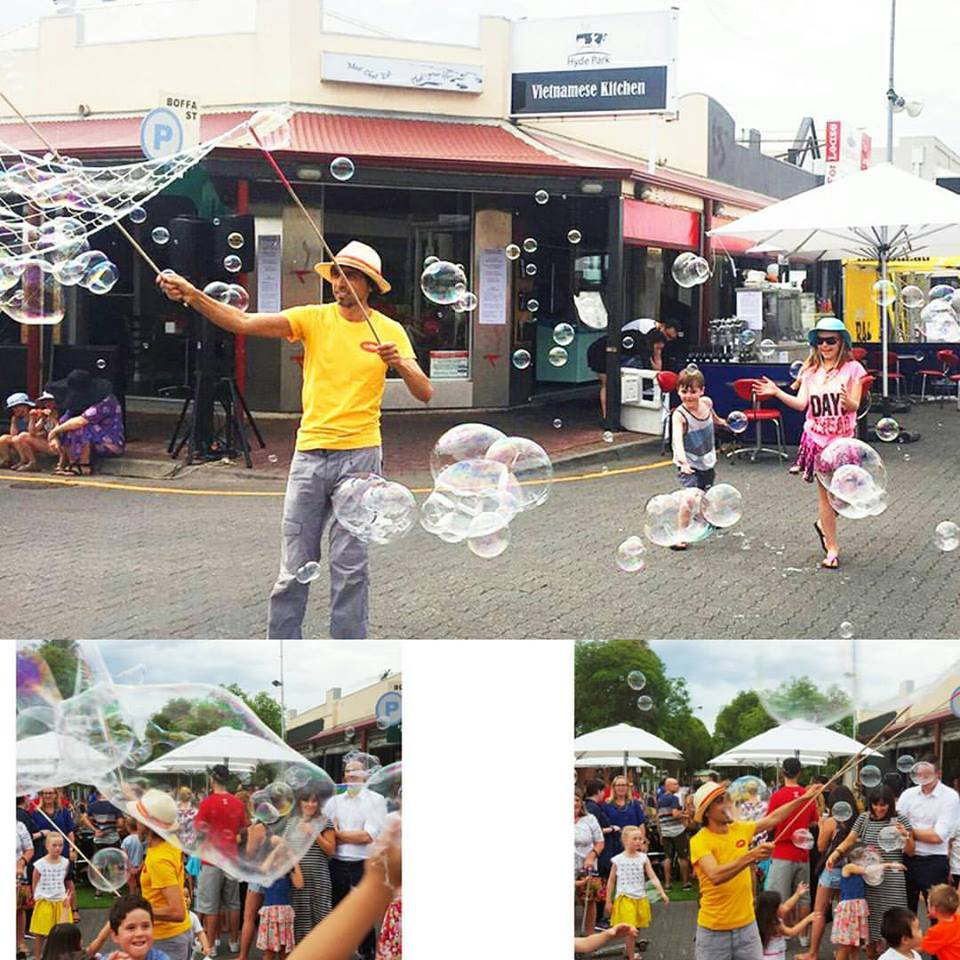 Mr Oopy does bubbles at the Unley Gala Festival. The Bubble Man of Adelaide Australia