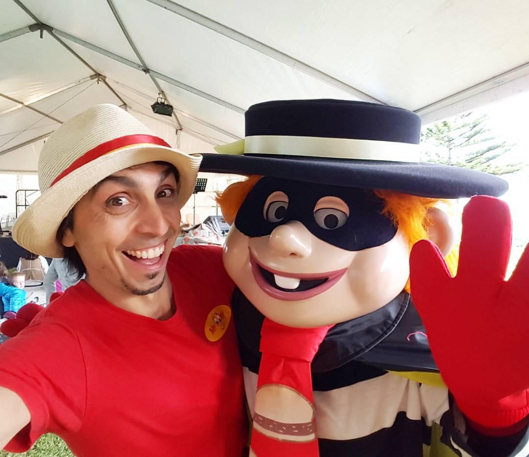 childrens festival entertainment adelaide bubble man