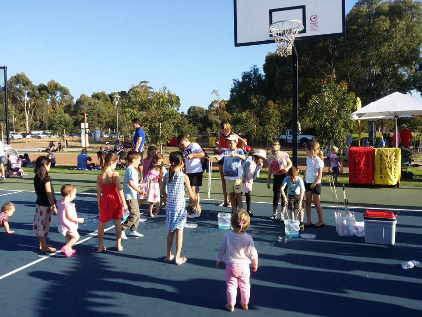Family Fun Event at ParkTce by Renewal SA with Adelaide Bubble Man, Mr Oopy