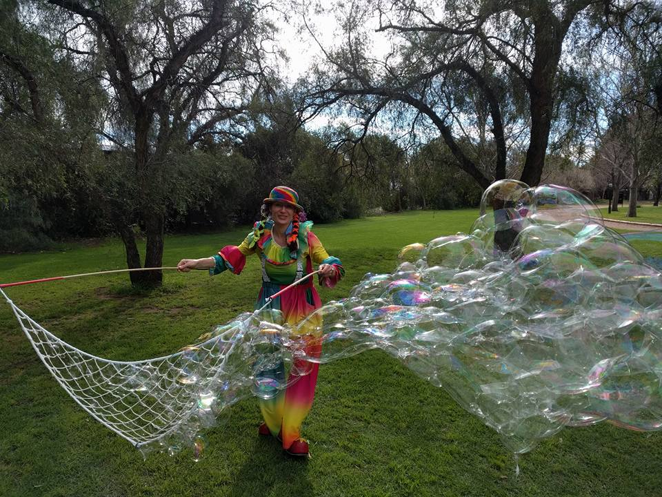 Bubble Show Adelaide with Bubbly Jess Baloon Twister Adelaide