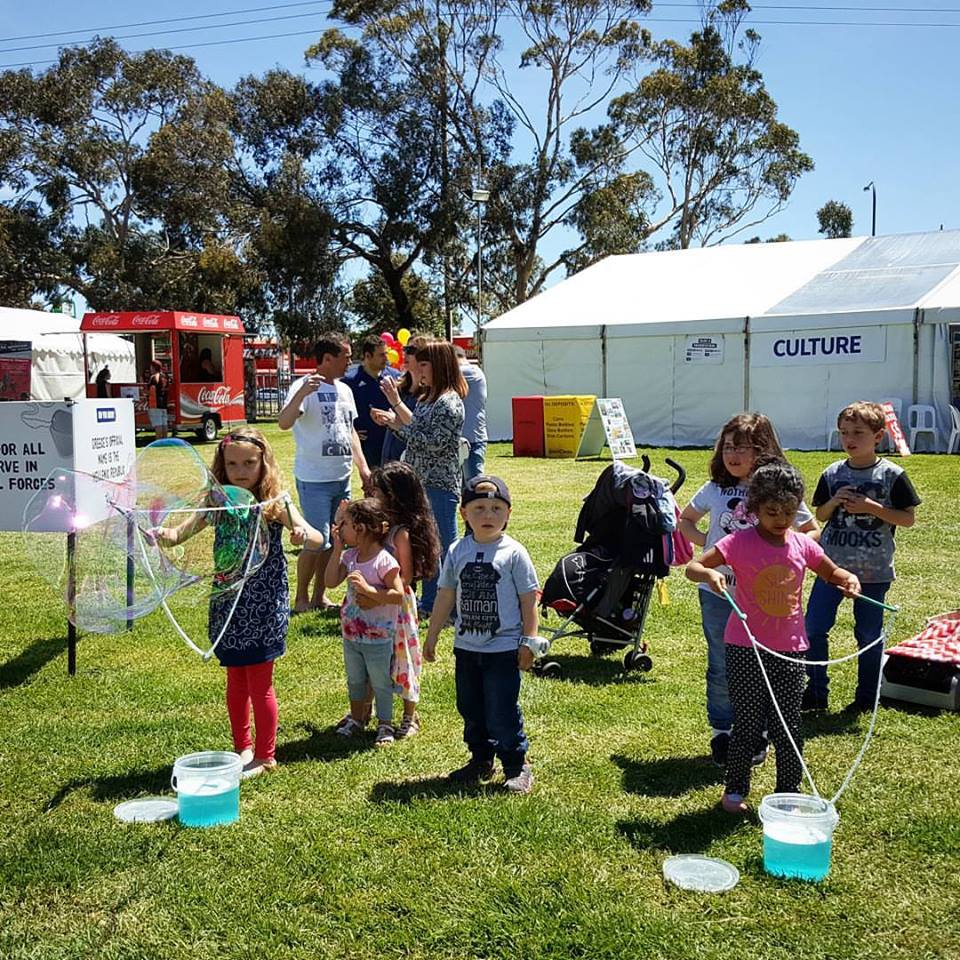 Glendi Greek Festival Adelaide Bubble Show